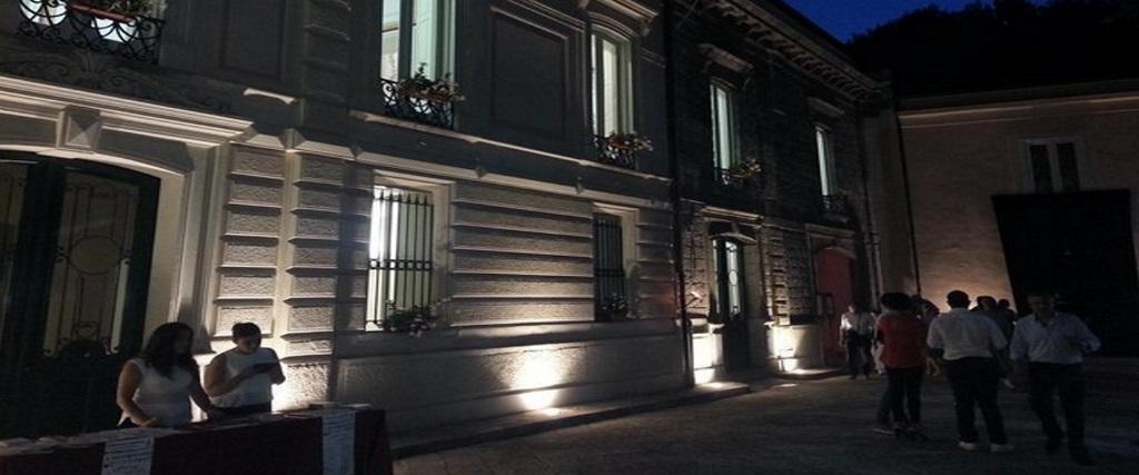 Amorosi, uffici comunali a Palazzo Maturi: è polemica